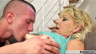 Saggy titted granny fucks a younger guy