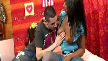 The hairy pussy of Ivannah fucked  by a yonug spanish guy
