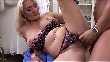 Dirty whore bag Petra Eagle gets on knees to give head before hard fucking