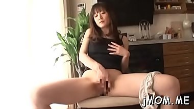Hot older gets her hairy cum-hole licked while sucking dick