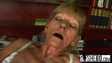 Slutty blonde mature woman rubs her hairy pussy before takes hard cock inside2