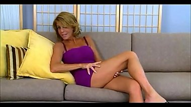 Sluty cougar horny as hell fucks her toyboy