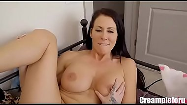Creampie stepsister in doggy style